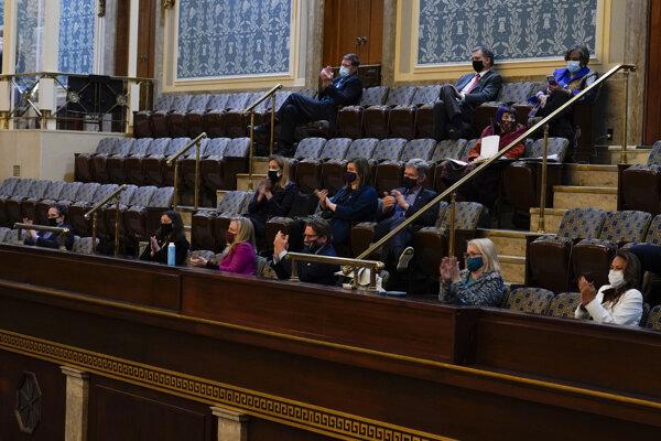 Americká Snemovňa reprezentantov zamietla námietku proti výsledkom prezidentských volieb v Arizone.