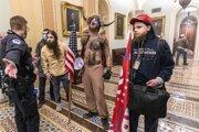 Trumpovi podporovatelia vtrhli do Kapitolu.