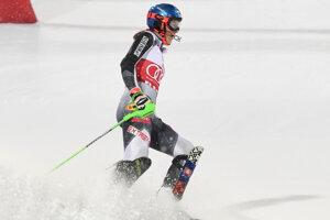 Petra Vlhová šla dnes slalom vo Flachau, skončila štvrtá. Pozrite si jej jazdy.