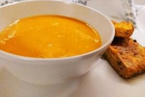 Batátová polievka so zelerom