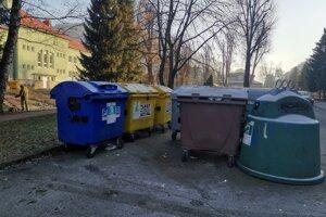 Samospráva chce dosiahnuť zníženie nákladov na zber a vývoz odpadu.