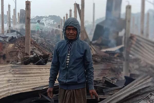 Plamene zničili stovky obydlí.