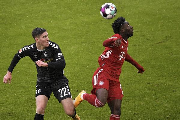 Momentka zo zápasu Bayern Mníchov - Freiburg.