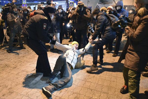 Zásah polície na moskovskom letisku Vnukovo.