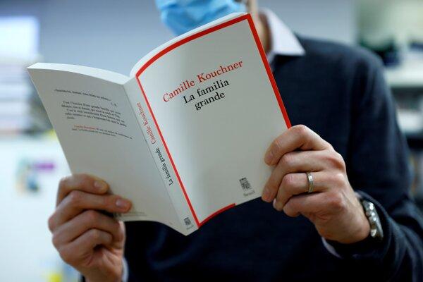 Kouchnerová v knihe opísala skúsenosti svojho brata.
