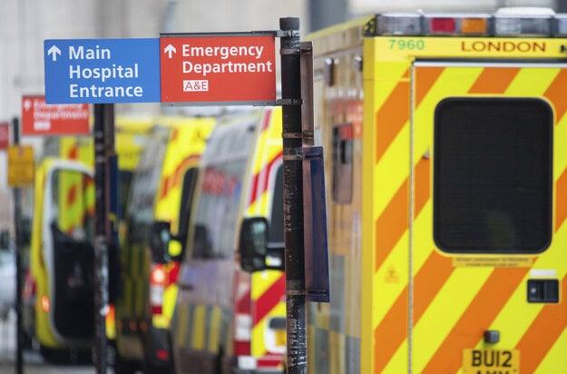 Nemocnice v Londýne sú pod tlakom.