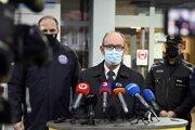 Infektológ prof. Pavol Jarčuška.