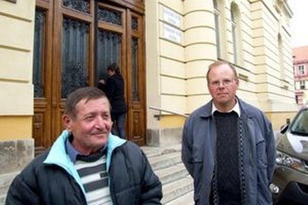 Cestári Michal a Peter pred nitrianskym súdom.