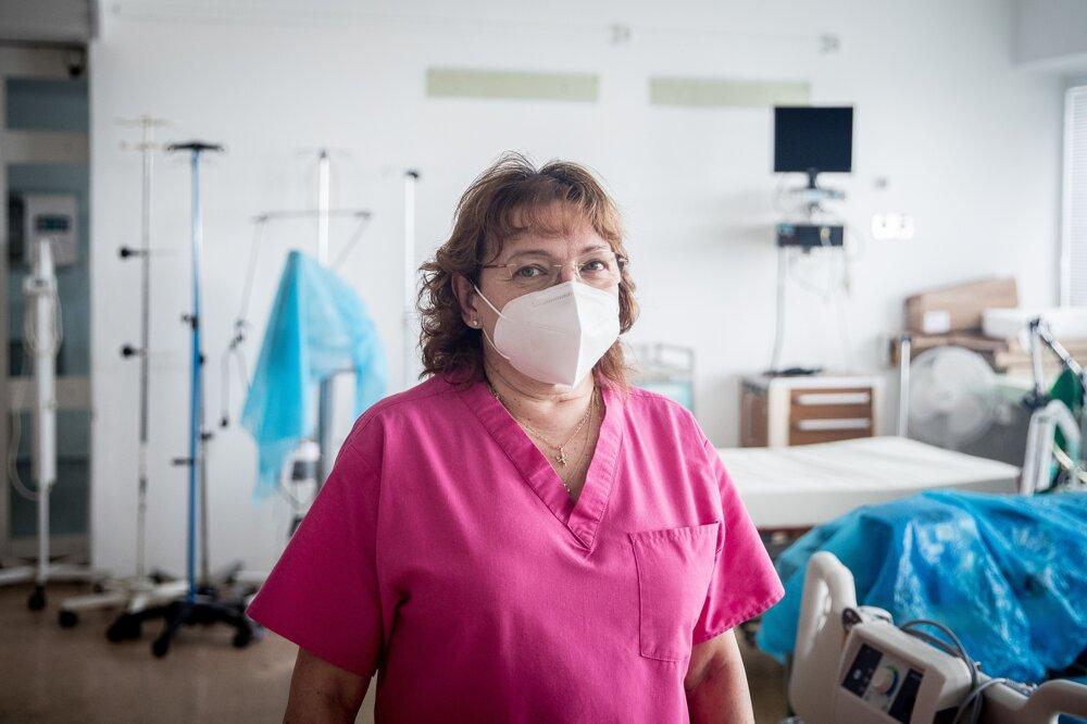 Primárka covidového oddelenia OAIM Dagmar Bodáková (57) vraví, že práca lekárky na tomto oddelení jej dáva slobodu.