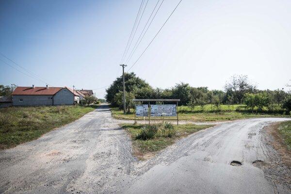 Rázcestie v obci Martinová.