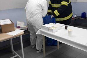 V Žabokrekoch ľudia chodia na testy podľa harmonogramu, ale pridružia sa záujemcovia aj mimo neho.