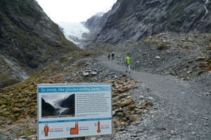 Takto sa zmenšil ľadovec Franz Josef za posledných 10 rokov.