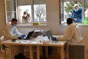 Podľa magistrátu zamestnávateľ nemá na základe čoho vyžadovať špeciálnu formu dokladu.
