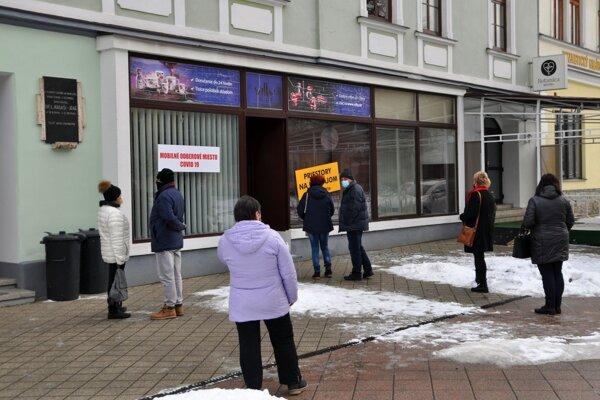 MOM na Hviezdoslavovom námestí.