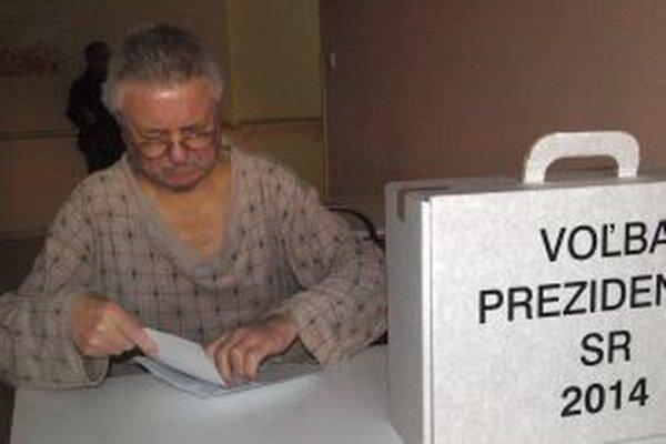 V nitrianskej nemocnici volil aj Imrich Ručkay.