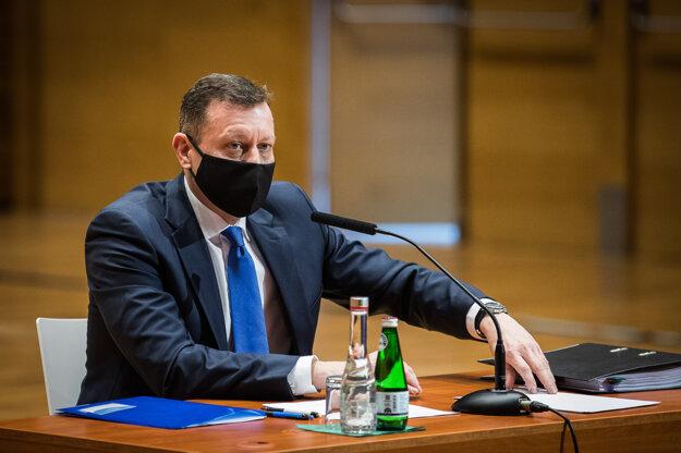 Advokát Daniel Lipšic počas vypočutia kandidátov na funkciu Špeciálneho prokurátora.
