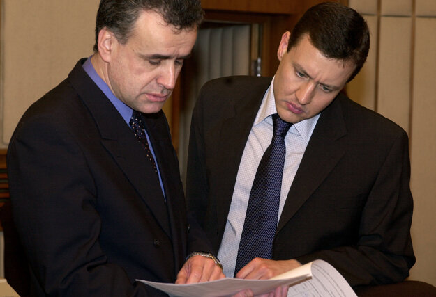 Ministri vnútra a spravodlivosti Vladimír Palko a Daniel Lipšic v roku 2003.