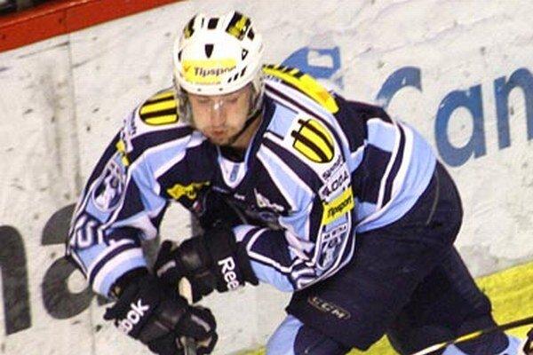 Roman Tománek si vylepšil štatistiky o dva góly a jednu asistenciu.