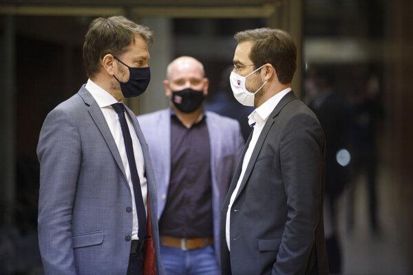 Premiér Igor Matovič (vľavo) a minister zdravotníctva Marek Krajčí.