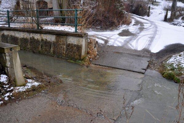 Brod cez Mlynský potok v Oravskej Porube.