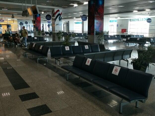 Minimum ľudí na letisku v Hurghade