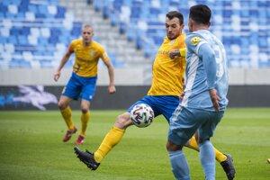 Momentka zo zápasu Slovana s Pohroním