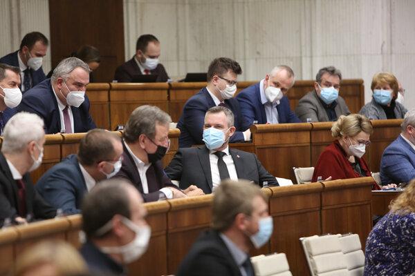 Parlament na svojom stredajšom zasadnutí.