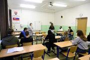 Stredné školy vsiedmich okresoch zatvára aj ich zriaďovateľ – Trenčiansky samosprávny kraj.