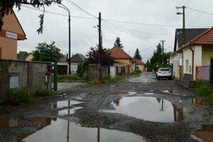 Železničná ulica v minulosti.