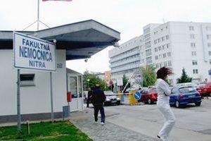 Ministerstvo pošle do nemocnice kontrolu.