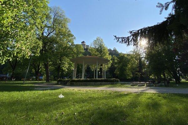 Časť mestského parku.