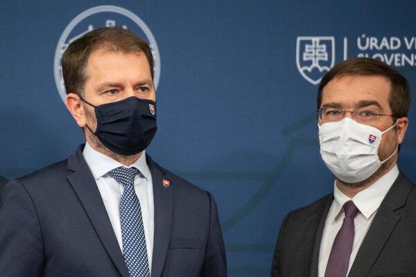 Premiér Igor Matovič a odchádzajúci minister zdravotníctva Marek Krajčí.