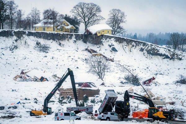 Miesto zosuvu pôdy v nórskej dedine Ask.