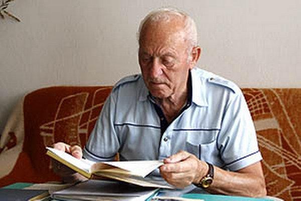 Albert Panák bol štyri roky predsedom AC. Stál pri veľkých úspechoch a mal tiež zásluhu na postavení tribúny, ktorá slúži dodnes.