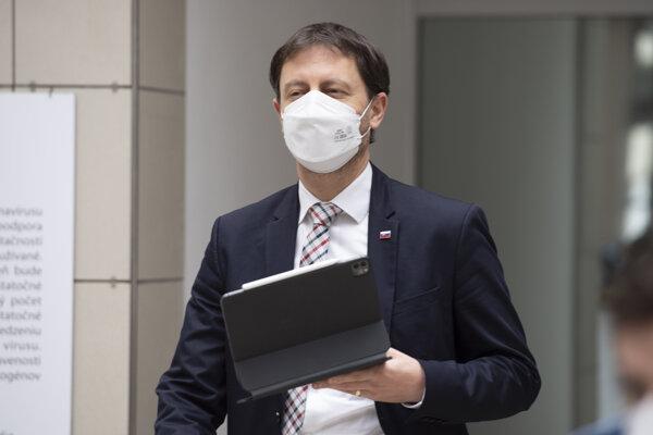Minister financií a dočasne poverený minister zdravotníctva Eduard Heger (OĽaNO).