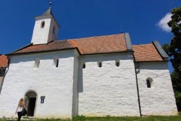 Tento kostolík v lokalite medzi Nitrou a Zlatými Moravcami je raritou, aká nemá v strednej Európe obdobu.