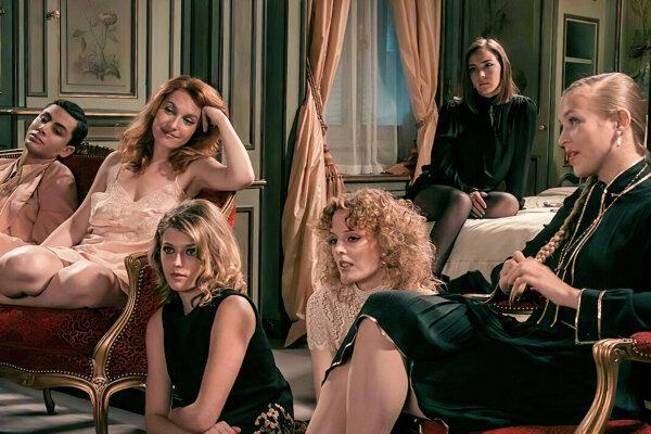 Životopisný film Madame Claude rozpráva príbeh Fernande Grudetovej, ktorá mala v 60. rokoch pod palcom biznis s prostitútkami.