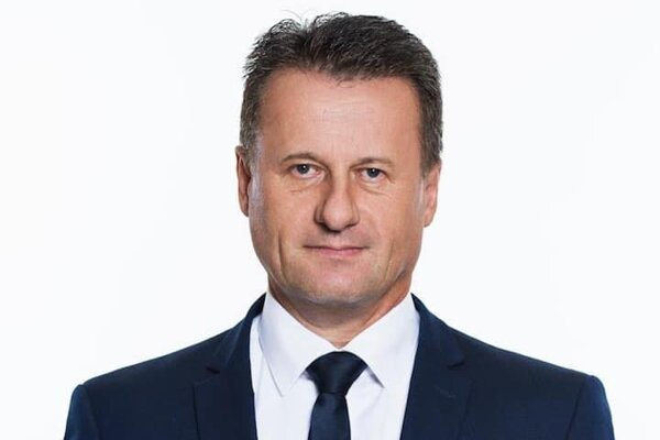 Jozef Hlinka pôsobil trinásť rokov na ministerstve vnútra, za Daniela Lipšica sa stal riaditeľom kancelárie