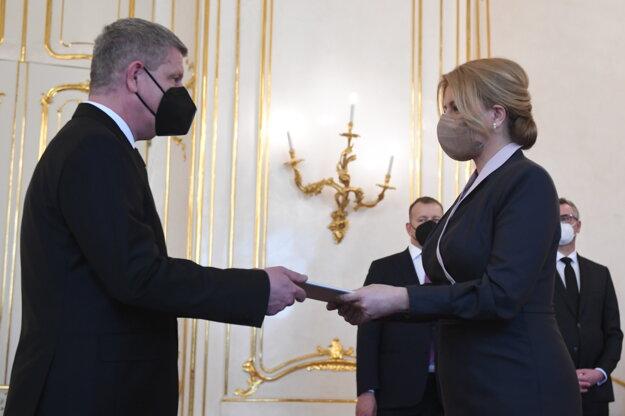 PrezidentkaZuzana Čaputová a vľavo minister zdravotníctva SR Vladimír Lengvarský