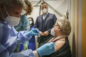 Nemecko má cieľ zaočkovať celú dospelú populáciu do 21. septembra.