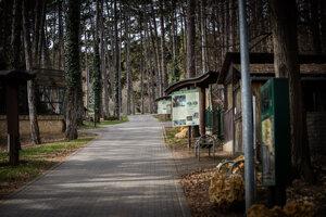 Za posledný rok klesla návštevnosť bojnickej zoo o vyše 120-tisíc ľudí.