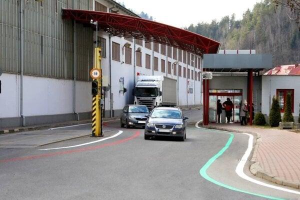 Starý závod Železiarní Podbrezová môžu ako obchádzkovú trasu využívať zamestnanci a záchranné zložky.