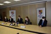 Ohlásenie podpisu zmluvy na výstavbu futbalového štadióna v Prešove.