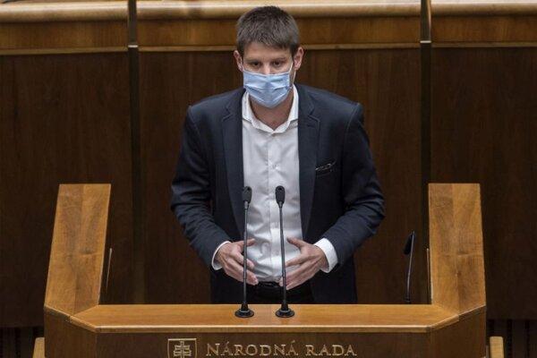 Europslanec Michal Šimečka (nominant PS) počas 9. schôdze NR SR 8. júla 2020 v Bratislave.