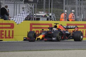 Max Verstappen vyhral VC Emilia Romagna 2021.