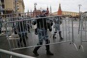 Červené námestie v Moskve polícia uzavrela.
