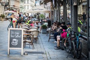 Od pondelka sa otvárajú terasy reštaurácií.