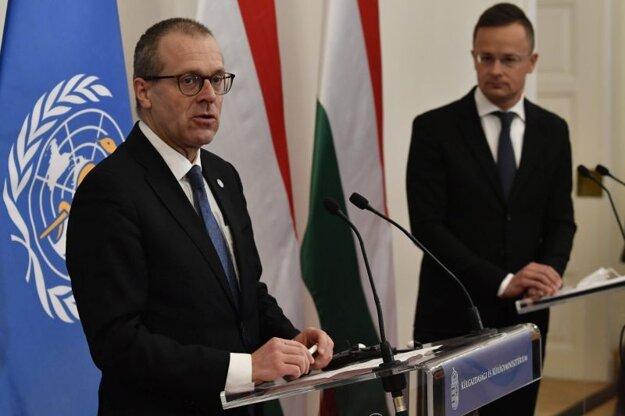Riaditeľ Svetovej zdravotníckej organizácie pre oblasť Európy Hans Kluge počas návštevy Budapešti sa 21. apríla stretol aj s ministrom zahraničia Péterom Szijjártóm.