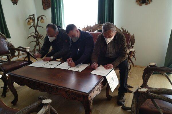 V Nemšovej podpísali Memorandum