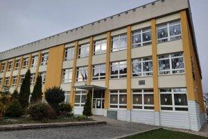 Základná škola Komenského je najstaršou v meste.